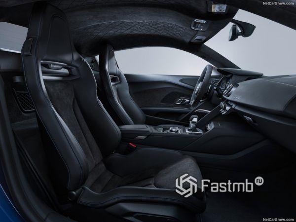 Audi R8 Coupe 2019, передние сидения