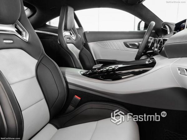 Mercedes-Benz AMG GT 2020, передние сидения