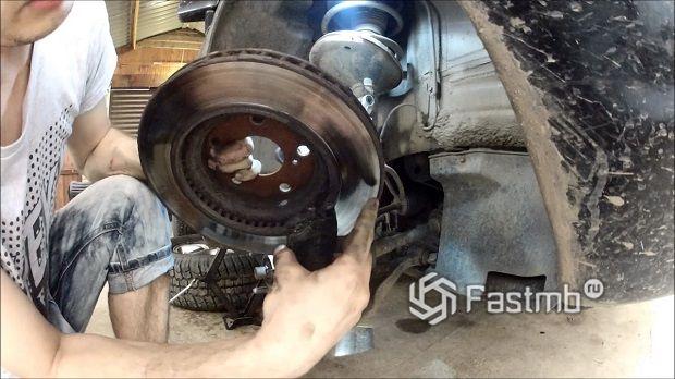 Замена тормозных дисков на Lexus RX