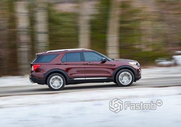 Ford Explorer 2020, вид сбоку