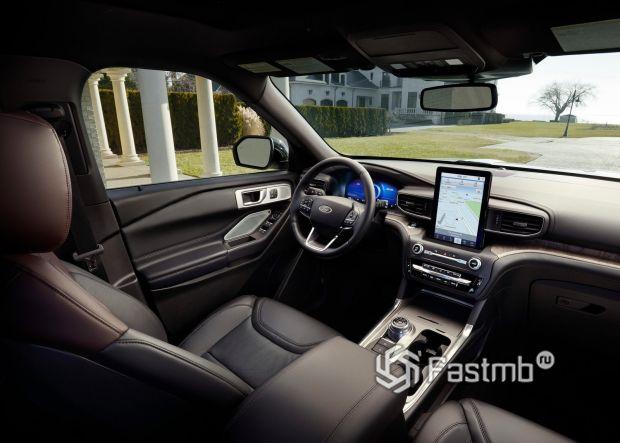 Водительское место нового Форд Эксплорер 2020