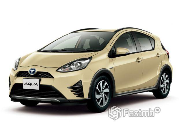На фото: Toyota Aqua