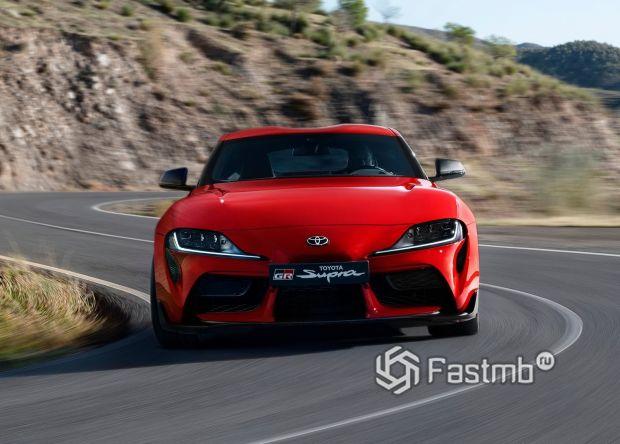 Передняя оптика новой Тойота Супра 2020