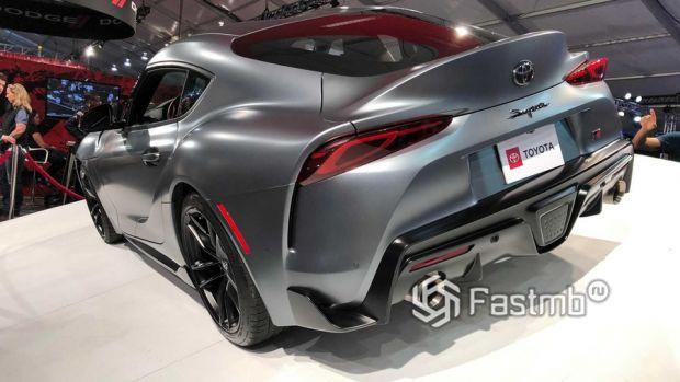 Задняя часть новой Тойота Супра 2020