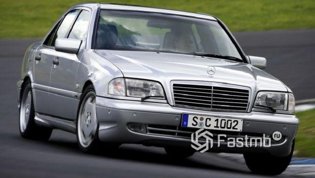 Mercedes C-класса (W202)