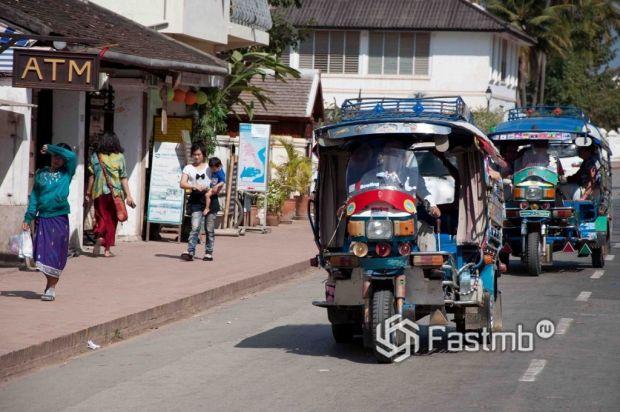 наиболее доступный транспорт в Малайзии – автобус или рикша