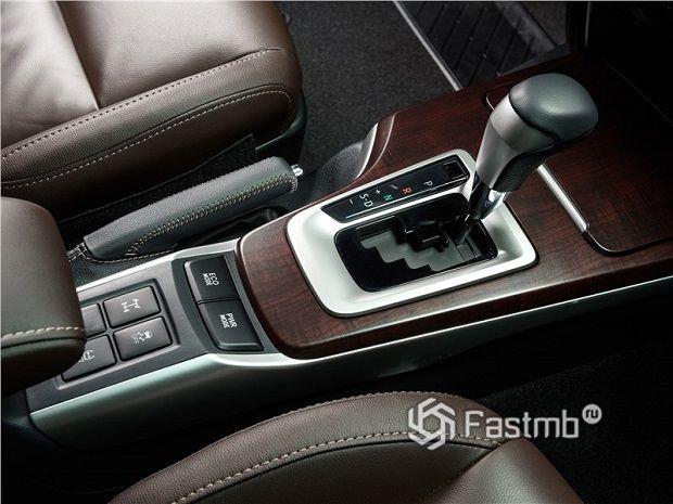 элементы интерьера Toyota Fortuner