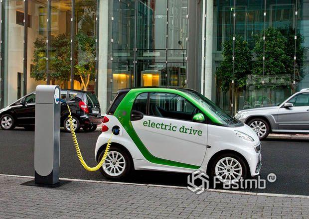 Популярные электромобили с большим запасом хода