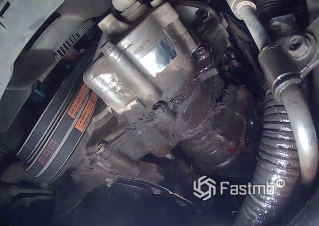 Насос гидроусилителя Toyota Land Cruiser Prado