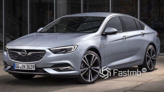 автомобиль среднего класса Opel Insignia