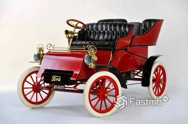 Кто и когда изобрел автомобиль: первые модели и их особенности