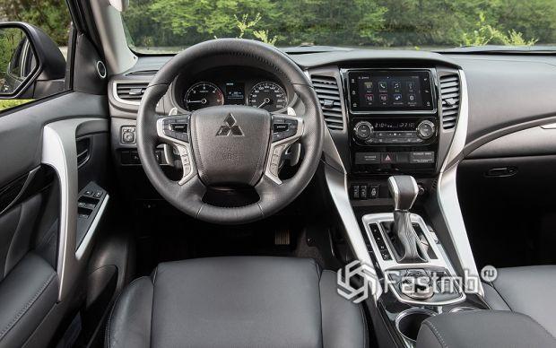 салон Mitsubishi Pajero Sport