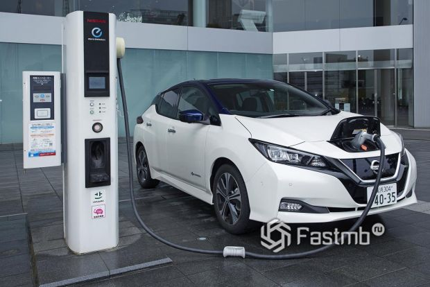 Подзарядка Nissan Leaf e plus