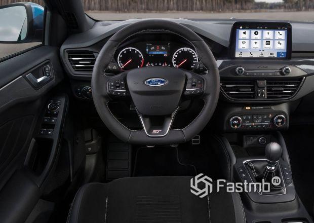 Водительское место Форд Фокус 2019