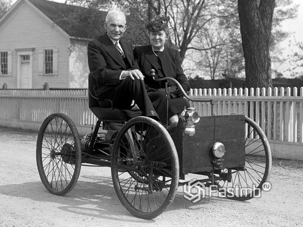 Генри Форд и его жена Клара