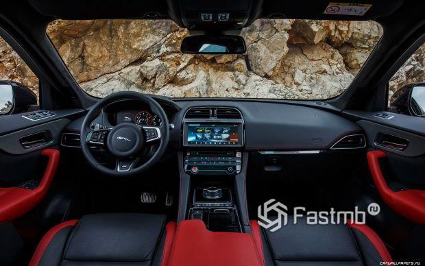 салон Jaguar F-Pace S