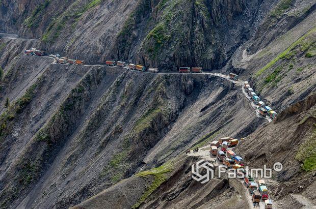 Лех-Манальное шоссе – смертоносное путешествие к облакам