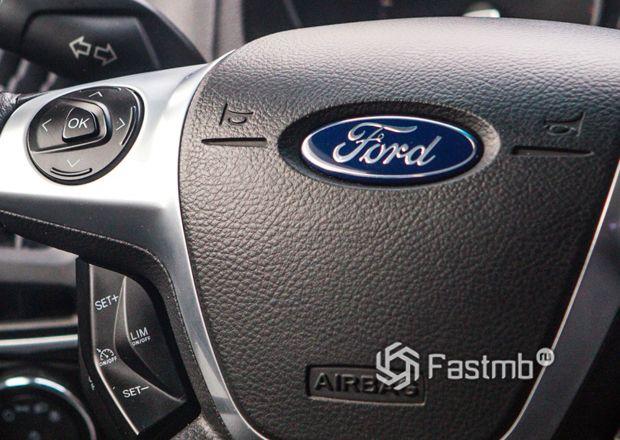 Эмблема компании Форд