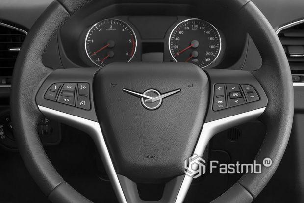 Функциональные кнопки на рулевом колесе