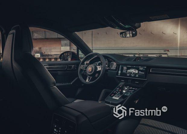 Интерьер нового Porsche Cayenne Turbo Coupe 2020