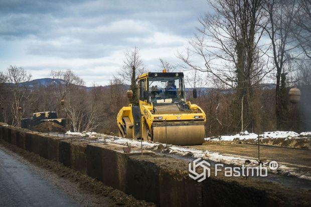 земляные работы по строительству дороги в Японии