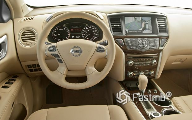 салон Nissan Pathfinder