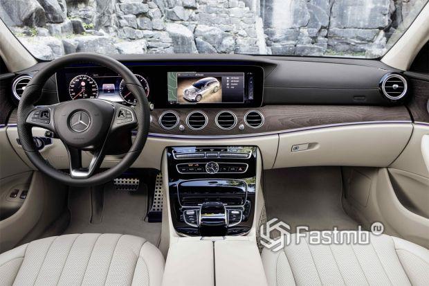 салон Mercedes Benz E-Class