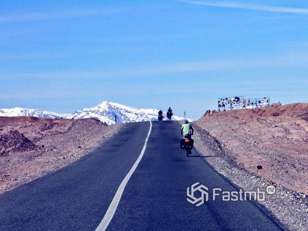 дорога в Африке Уарзат – Узуд
