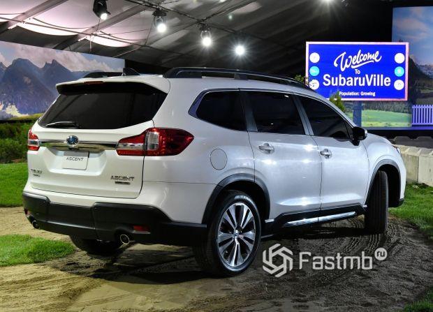 Subaru Ascent 2019, вид сбоку