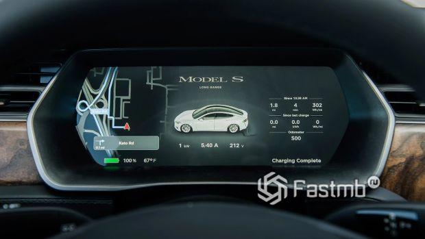 Цифровая панель приборов Тесла Модел С