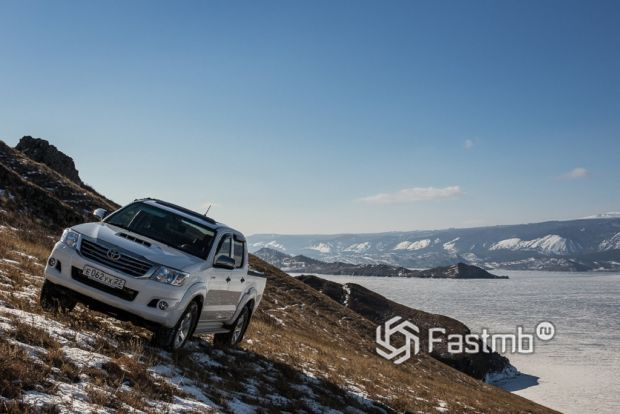 4WD Toyota Hilux Pickup
