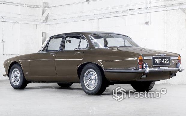 модель Jaguar XJ6