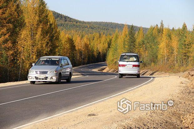 езда по трассе в Якутии