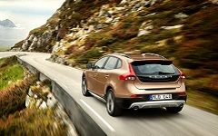 Hyundai IX35 или Volvo V40 Cross Country — что лучше?