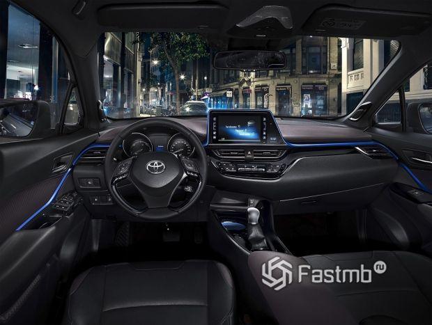 Внутреннее оформление Toyota CH-R