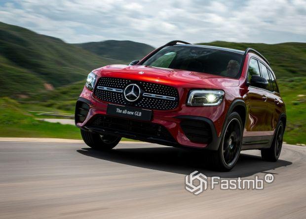 Полностью новый Mercedes GLB 2020