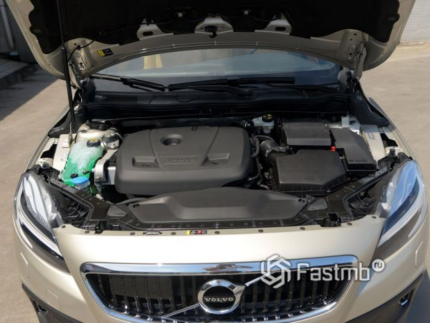 двигатель Volvo V40 Cross Country