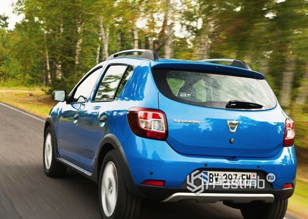 Renault Sandero 2018, вид сзади