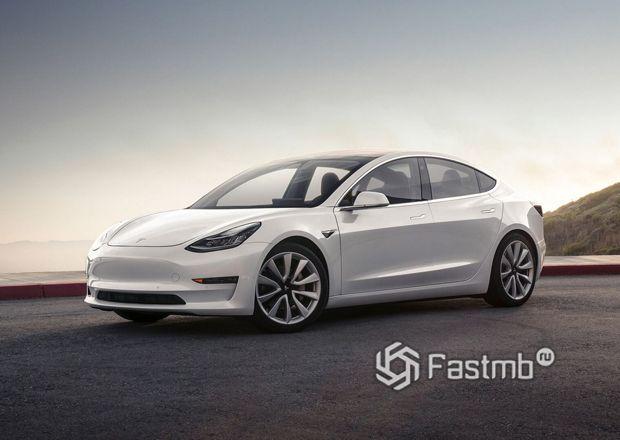 Передняя часть Tesla Model 3 Long Range