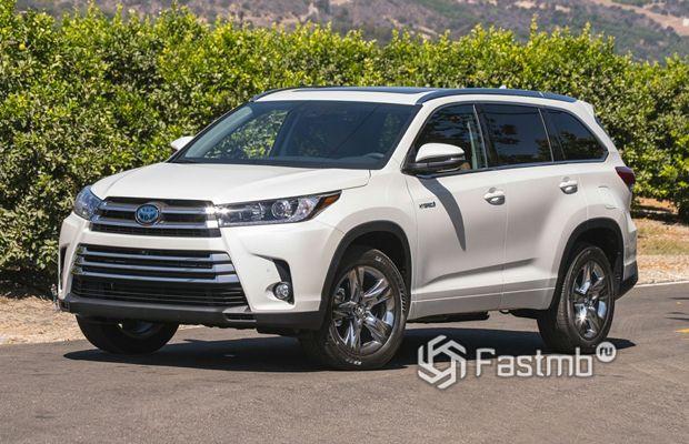 Гибридный Toyota Highlander 2019