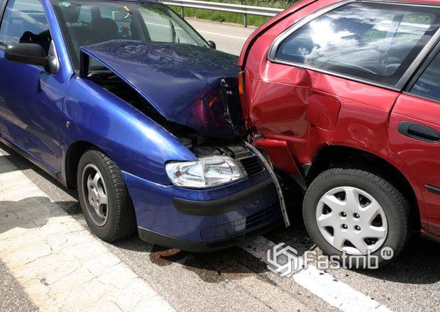 Кто виноват, если один автомобиль догнал в зад другого