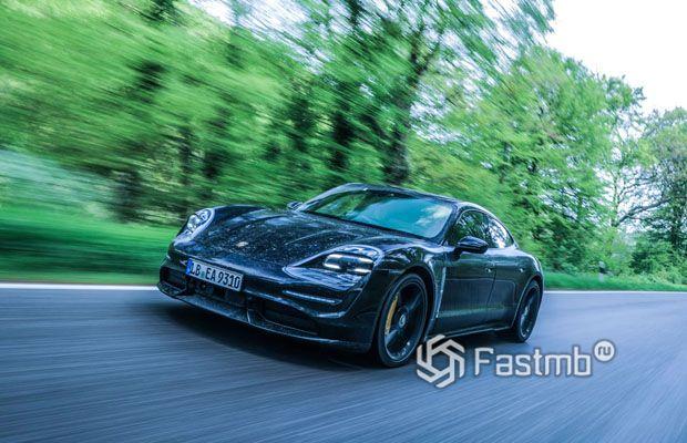 Новый Porsche Taycan 2020