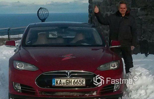 Tesla Model S проехала 900 тыс км