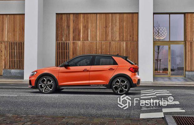 Боковая часть Audi A1 Citycarver
