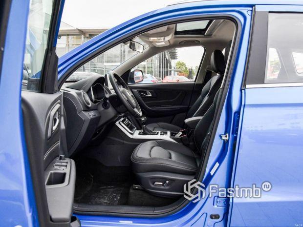 Переднее водительское сиденье