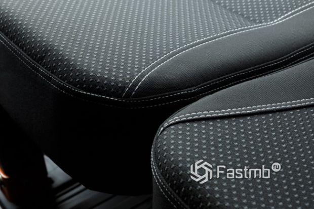 Тканевая оббивка сидений
