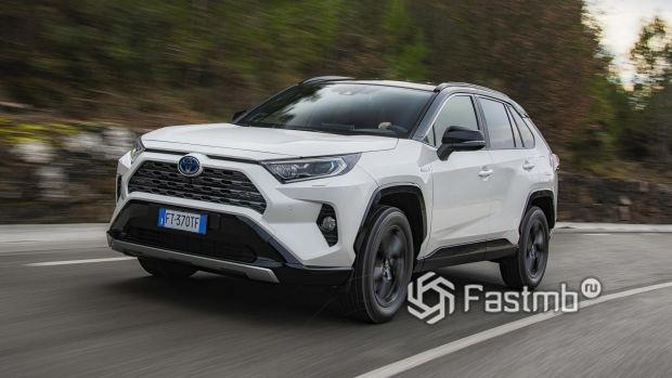 Новый гибридный Toyota RAV4 2019