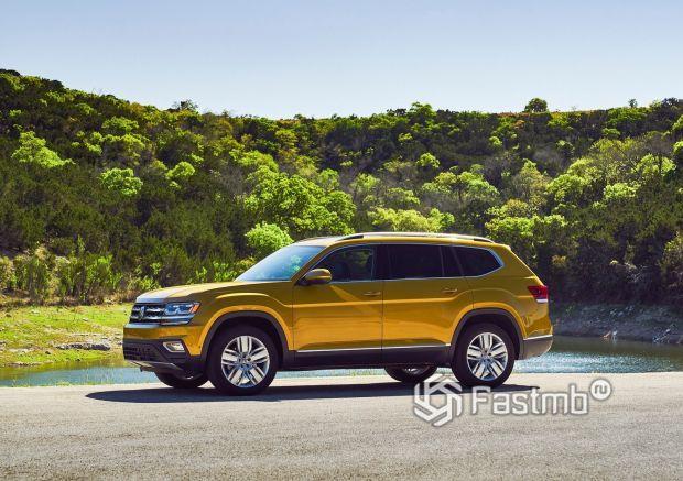 Volkswagen Atlas 2018, вид сбоку