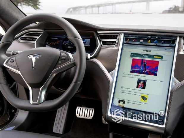 медиа-система Tesla Model X