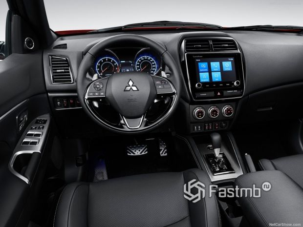 Интерьер Mitsubishi ASX 2020